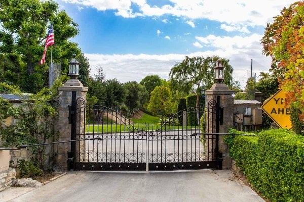 Bên trong lâu đài giá 100 triệu đôla của ông chủ Playboy - 4