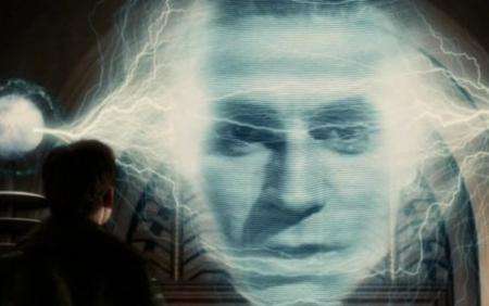 """Hồi năm 2004, khi bộ phim phiêu lưu giả tưởng """"Sky Captain and the World of Tomorrow"""" được ra mắt, nam diễn viên Laurence Olivier đã qua đời từ… 15 năm trước. Tuy nhiên, ngôi sao người Anh đã bất ngờ """"sống lại"""" và hóa thân thành nhân vật nhà khoa học điên trong bộ phim. Để làm được điều đó, đạo diễn Kerry Conran đã sử dụng những hình ảnh lưu trữ của Laurence Olivier hồi còn trẻ, kết hợp với giọng nói của các diễn viên đóng thế khiến nhân vật của Laurence Olivier sống động như thật."""