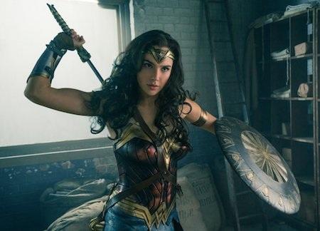 """""""Wonder Woman"""", bộ phim kể về một nữ siêu anh hùng với sự đầu tư nghiêm túc về mặt tài chính cũng như truyền thông, sẽ được công chiếu vào tháng 6/2017."""
