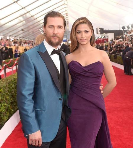 Matthew McConaughey lớn hơn Camila Alves tới 13 tuổi nhưng nam tài tử lại khiến khá nhiều người bất ngờ khi tiết lộ chính bà xã Camila mới là người thúc giục chuyện kết hôn
