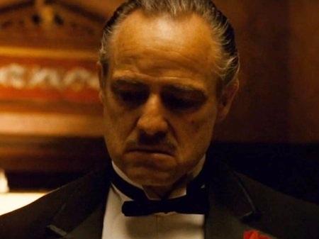 """Bộ phim xoay quanh diễn biến của gia đình mafia gốc Ý Corleone từ lâu đã trở nên hết sức nổi tiếng trong lịch sử điện ảnh thế giới. Không chỉ gặt hái được thành công tại các rạp chiếu, """"The Godfather"""" còn được đề cử tới 8 giải Oscar và chiến thắng ở 3 hạng mục."""