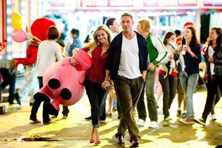 """Cuộc chiến một mất một còn để tranh giành tình yêu giữa hai chàng đặc vụ do Chris Pine và Tom Hardy thủ vai trong tác phẩm """"This means war"""" (2012) sẽ khiến cho không chỉ các chị em gái mà cả nam giới cũng phải thích thú"""