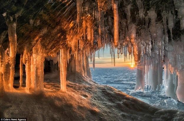 Những hang động đẹp đến mức bất kì ai cũng phải choáng ngợp - 5