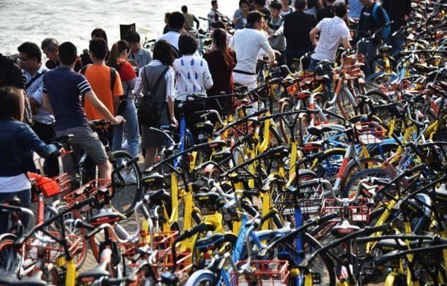 Vạn xe đạp chen nhau không lối thoát ở Trung Quốc - 2
