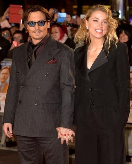 Bí mật kết hôn hồi năm 2015 nhưng cuộc hôn nhân của Johnny Depp và Amber Heard lại kết thúc trong những scandal ầm ĩ