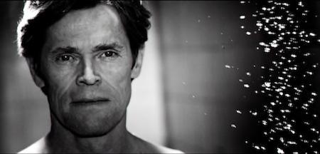 """Những cảnh khoả thân trần trụi của nam tài tử Willem Dafoe trong bộ phim """"Antichrist"""" trên thực tế đều thuộc về diễn viên đóng thế."""