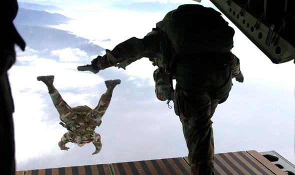 Lực lượng đặc nhiệm Mỹ luyện tập