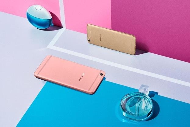 F3 hiện có 2 màu thời trang: vàng gold và vàng hồng