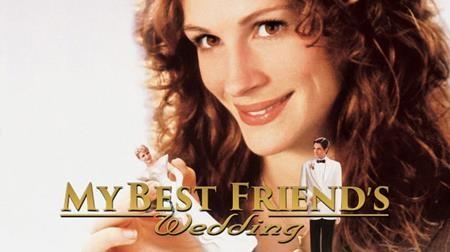 """Ước hẹn trong vòng 10 năm nữa nếu không thể thoát """"ế"""" thì sẽ đến với người bạn thân nhưng giờ đây, cô nàng Julianne, nhân vật chính của bộ phim """"My best friends wedding"""" lại phải đối mặt với một sự thật phũ phàng là người bạn của mình sắp lên xe hoa với một cô nàng xinh đẹp. Xem """"My best friends wedding"""", nhiều khán giả hẳn sẽ đồng cảm với những hành động ngốc nghếch của Julianne khi rơi vào hoàn cảnh tương tự và đến cuối cùng, ai cũng sẽ nhận ra được bài học ý nghĩa mà bộ phim này gửi gắm đến những con tim đang đau khổ."""