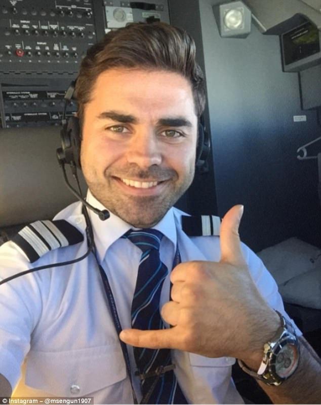 Khoảnh khắc selfie của phi công hút cả triệu like trên mạng xã hội - 6