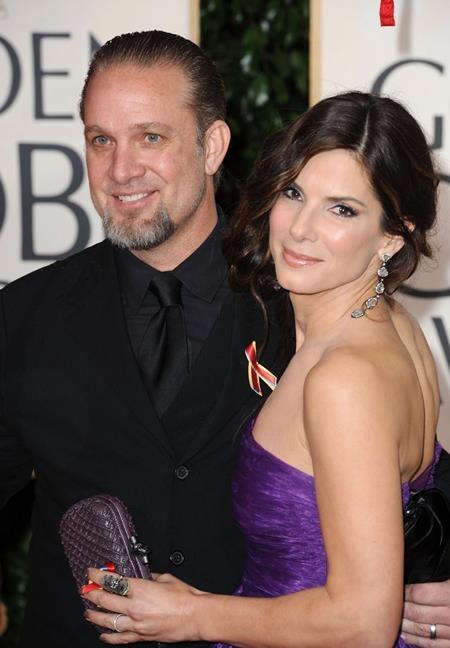 """Cuộc hôn nhân kéo dài năm năm giữa Sandra Bullock và Jesse James chính thức bắt đầu vào tháng 7/2005 và chỉ vài ngày sau là """"Hoa hậu FBI"""" đã tròn 42 tuổi."""