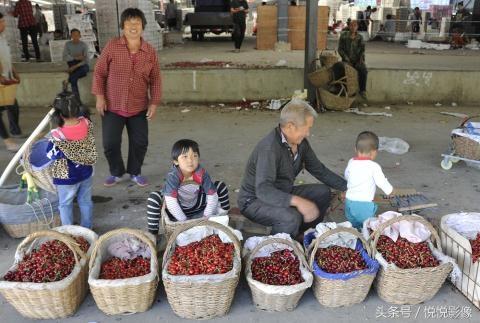 Cherry bán tại các chợ ở Trung Quốc.
