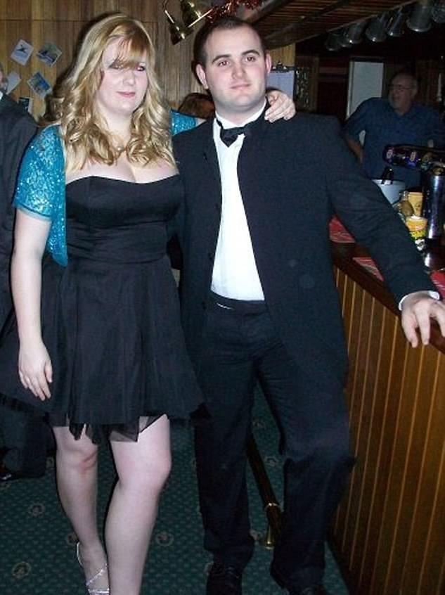 Chỉ 1 năm sau, cân nặng của cặp đôi đã tăng đáng kể
