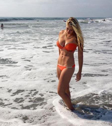 Người đẹp luôn tự tin diện bikini khoe thân bốc lửa