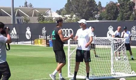 Morata lưu luyến tạm biệt huấn luyện viên Zinedine Zidane