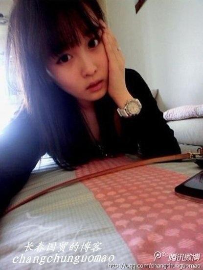 Bất ngờ với nhan sắc con gái đại gia ngành giải trí Trung Quốc - 6