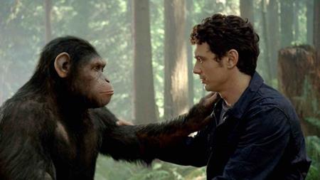 Nếu theo đúng kịch bản ban đầu thì nhân vật John Landon (Brian Cox) đã bắn hạ nhà khoa học Will Rodman (James Franco) trước khi bầy linh trưởng kịp chạy thoát. Kết thúc này khiến cho nhà sản xuất Dylan Clark cảm thấy rất bất bình và khoảng một tháng trước khi phim ra rạp, một đoạn kết mới đã được thực hiện và dĩ nhiên, đây là một quyết định hoàn toàn đúng đắn.