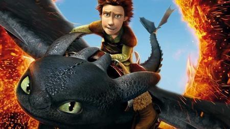 """""""How to train your dragon"""" (2010) lấy bối cảnh thế giới thần thoại của người Viking và loài rồng với nhân vật chính là cậu bé Hiccup. Sau khi giải thoát cho một chú rồng, Hiccup dần thay đổi hoàn toàn cuộc sống của mình và đứng lên đấu tranh thuyết phục cả bộ tộc, đem lại hòa bình cho loài rồng và con người."""