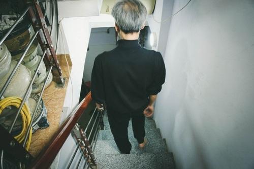 Chốn đi về ổn định, Chu Hùng có cuộc sống thảnh thơi, an nhàn bên con cháu.