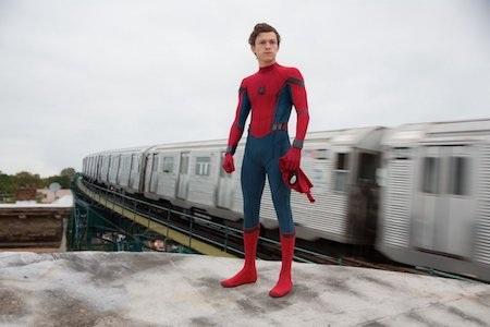 """Sau khi khiến dân tình điên đảo không yên với vai phụ trong bộ phim """"Captain America: Civil war"""", chàng siêu anh hùng biết bắn tơ nhện sẽ chính thức gặp lại các fan trong dự án """"Spider-Man: Homecoming"""" ra mắt vào ngày 7/7/2017."""