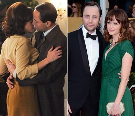 """Trong phim """"Mad men"""", mối quan hệ của Beht (Alexis Bledel) và Pete (Vincent Kartheiser) vô cùng rắc rối nhưng ở ngoài đời, tình yêu của cả hai diễn viên lại vô cùng hạnh phúc và giản đơn. Không ồn ào, không scandal, cặp sao đã bí mật tổ chức hôn lễ vào năm 2014."""