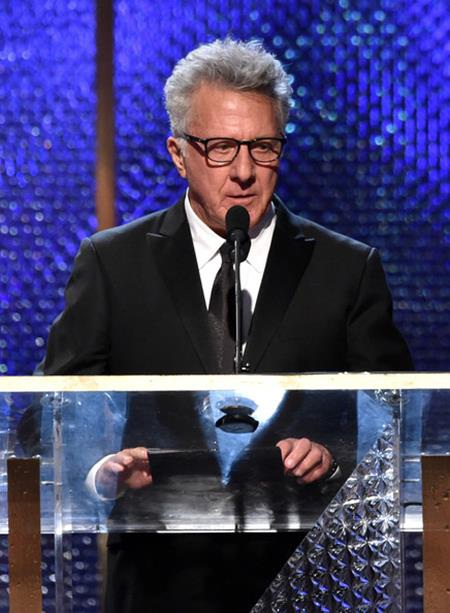"""Ngay đêm trước khi diễn ra lễ trao giải Oscar hồi năm 1968, Dustin Hoffman đã khiến các fan hâm mộ xôn xao khi chia sẻ: """"Tôi nguyện cầu với Chúa rằng tôi sẽ không thắng một giải Oscar vào tối mai. Bởi nếu thế thì nó sẽ làm tôi chán nản lắm""""."""