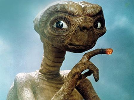 """Người ngoài hành tinh trong bộ phim """"E.T. the Extra-Terrestrial"""" (1982) cũng rất được các tín đồ điện ảnh hâm mộ"""