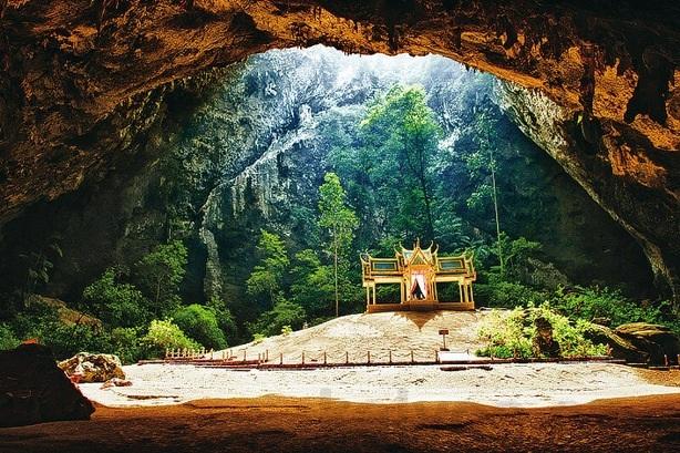 Những hang động đẹp đến mức bất kì ai cũng phải choáng ngợp - 6