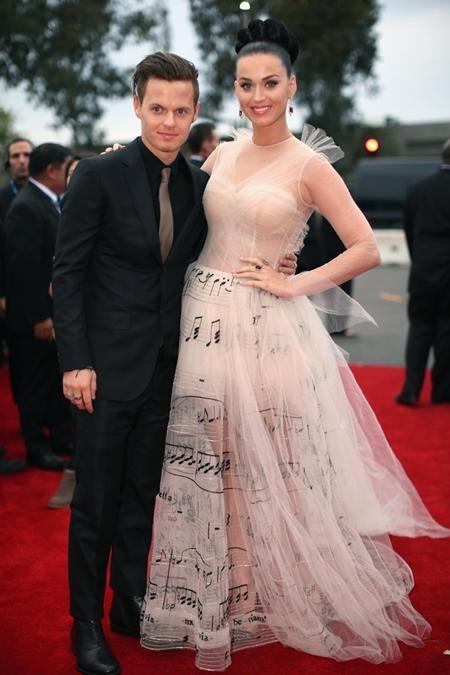 Người em David Hudson của Katy Perry là một nhạc sĩ và cũng đã nhiều lần sánh bước bên chị gái trên thảm đỏ