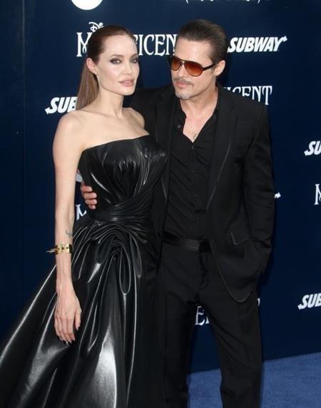 """Brangelina từng giấu kín chuyện thai nghén của Angelina Jolie hồi năm 2008 và có lẽ công chúng đã không mảy may hay biết nếu như nam diễn viên hài Jack Black không vô tình """"bật mí"""" sự vụ này trong một buổi phỏng vấn tuyên truyền phim """"Kungfu panda""""."""
