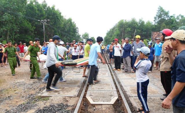 Vụ tai nạn đường sắt đặc biệt nghiêm trọng xảy ra ngày 24/4 tại Bình Định làm 4 người tử vong, 2 người bị thương