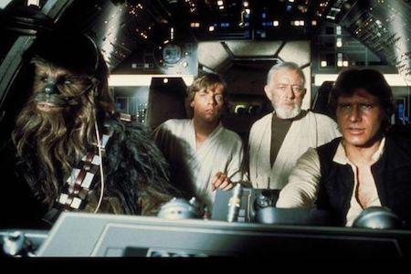 """Loạt phim """"Star wars"""" kể về những cuộc phiêu lưu của các nhân vật tại một thiên hà xa xôi không chỉ gặt hái được nhiều thành công về mặt thương mại mà còn trở thành bộ sử thi điện ảnh có ảnh hưởng sâu rộng trên nhiều mặt của nền văn hoá Hoa Kỳ. Trước phần phim đầu tiên của """"Star wars"""", """"A new hope"""" hồi năm 1977, phần lớn kĩ xảo điện ảnh trong các bộ phim tại Hollywood vẫn chỉ mới dừng lại ở phương pháp thủ công như dàn dựng bối cảnh với tỉ lệ thu nhỏ hay sử dụng mô hình người đóng còn đồ hoạ vi tính vẫn là một khái niệm khá xa vời cả về kinh phí sản xuất cũng như nhân lực thực hiện. Chính """"Star wars"""" đã đi tiên phong trong việc sử dụng đồ hoạ vi tính để bổ trợ cho những hạn chế của kĩ xảo điện ảnh kiểu truyền thống và không chỉ góp phần thay đổi cách làm phim tại Hollywood, """"Star wars"""" còn trở thành tượng đài của dòng phim hành động, khoa học viễn tưởng và làm thay đổi cả dòng chảy phát triển của điện ảnh."""