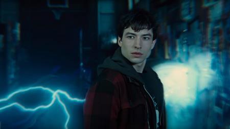 """Sau thành công của series phim truyền hình """"The Flash"""", nhân vật siêu anh hùng này cũng sẽ được ra mắt khán giả màn ảnh rộng trong một dự án điện ảnh vào thời gian tới"""
