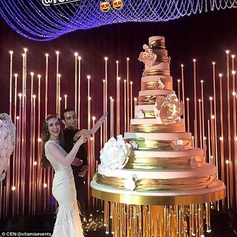 Bánh cưới 10 tầng