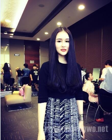 Bất ngờ với nhan sắc con gái đại gia ngành giải trí Trung Quốc - 7