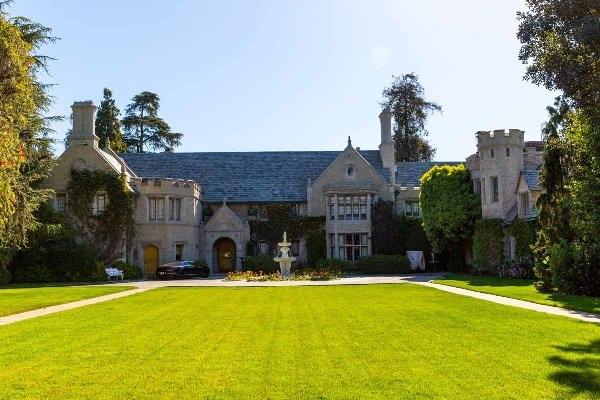 Bên trong lâu đài giá 100 triệu đôla của ông chủ Playboy - 6