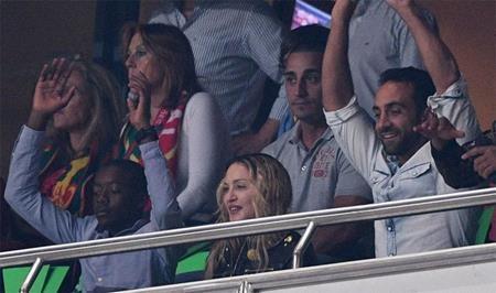 """""""Nữ hoàng nhạc pop"""" Madonna cũng ủng hộ cho C.Ronaldo"""
