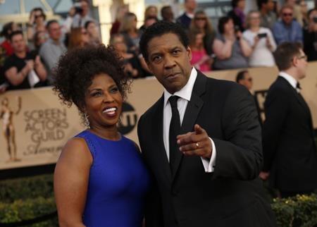 Denzel và Pauletta Washington chắc chắn là cặp phụ huynh nghiêm khắc nhất nhì Hollywood. Thậm chí, nhà Washington còn có hẳn một bộ quy tắc ứng xử để tránh cho các con mình dính vào những thị phi không đáng và đây cũng là lí do mà Denzel cùng bà xã luôn nhận được sự tôn trọng lớn từ các con.