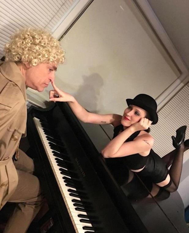Cặp đôi quen nhau qua trang hâm mộ của nghệ sĩ hài Harpo Marx
