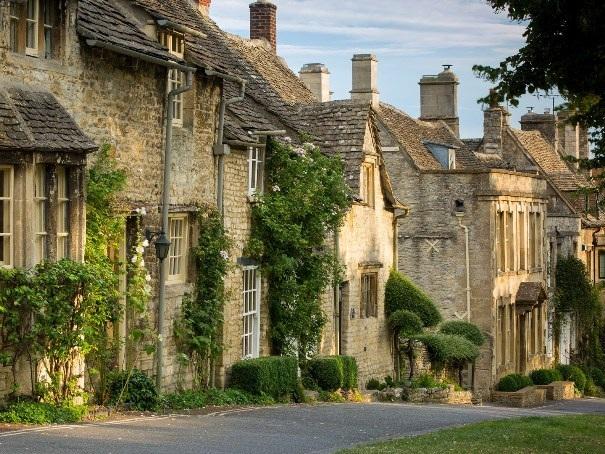 Khám phá những thị trấn xinh đẹp của nước Anh - 7