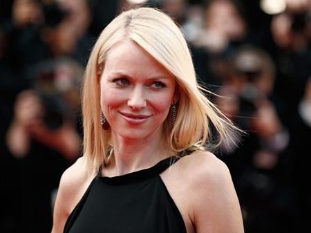 """Từng hai lần cận kề chiến thắng với vai diễn trong các bộ phim """"21 Grams"""" và """"The Impossible"""" nhưng cuối cùng Naomi Watts vẫn chưa thể một lần """"rinh"""" tượng vàng về nhà"""