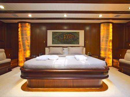 Hệ thống phòng nghỉ bên trong có đầy đủ tiện nghi sang trọng