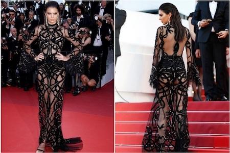 Kendall Jenner dường như cũng là một tín đồ ưa thích những bộ váy xuyên thấu sexy