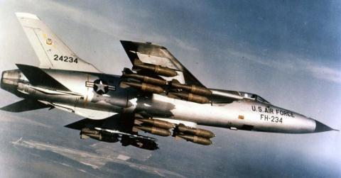 9 máy bay ném bom mạnh hơn máy bay tiêm kích - 7