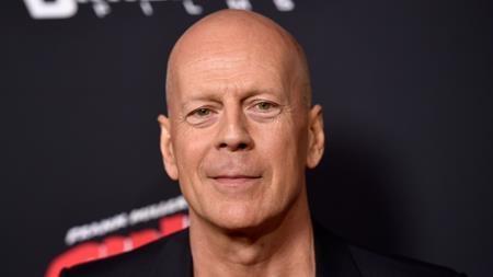 Hai đồng nghiệp Kevin Smith và Sylvester Stallone đều khẳng định Bruce Willis là một ngôi sao cực kì khó chịu. Từng có lần, Bruce Willis mắng nhiếc thậm tệ vài đứa trẻ trong cửa hàng đồ ăn chỉ vì chúng đã… nhận ra và chỉ trỏ nam tài tử.
