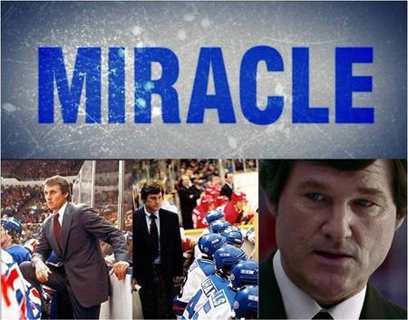 """""""Miracle"""" (2004) quả thực đã truyền cảm hứng cho rất nhiều người đúng như cái tên của nó. Bộ phim dựa trên một câu chuyện có thật kể về đội tuyển khúc côn cầu trên băng nước Mỹ đã đánh bại Liên Xô tại Thế vận hội Mùa đông năm 1980. Đây là một trong những chiến thắng vĩ đại và bất ngờ nhất trong lịch sử thể thao và cũng là khoảnh khắc ngập tràn tự hào với tình yêu quốc gia, dân tộc trên trường quốc tế."""