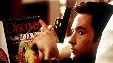 """Bộ phim """"Grosse pointe blank"""" với sự góp mặt của nam tài tử John Cusack tính đến nay cũng đã có 20 năm gắn bó với các tín đồ yêu điện ảnh"""