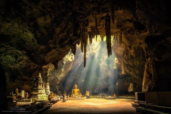 Những hang động đẹp đến mức bất kì ai cũng phải choáng ngợp - 8