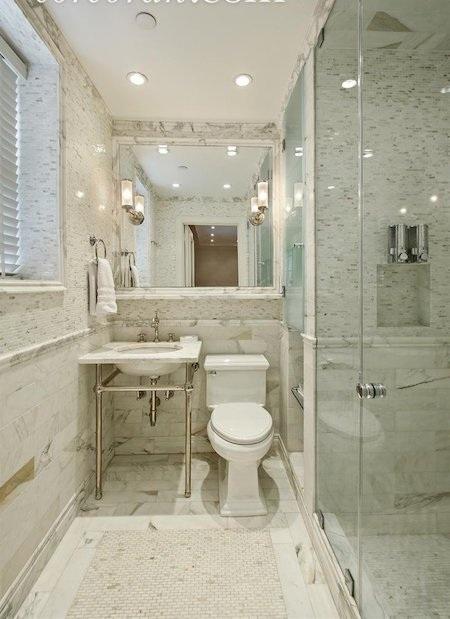 Nhà vệ sinh cũng toát lên một màu trắng thanh lịch