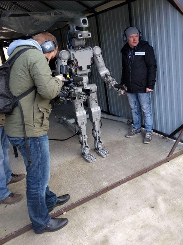 """Hé lộ về đội quân robot """"kẻ hủy diệt"""" của Putin - 2"""